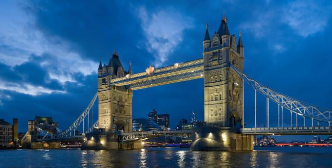 Top 20 things to do in London: The Tower Bridge at dusk
