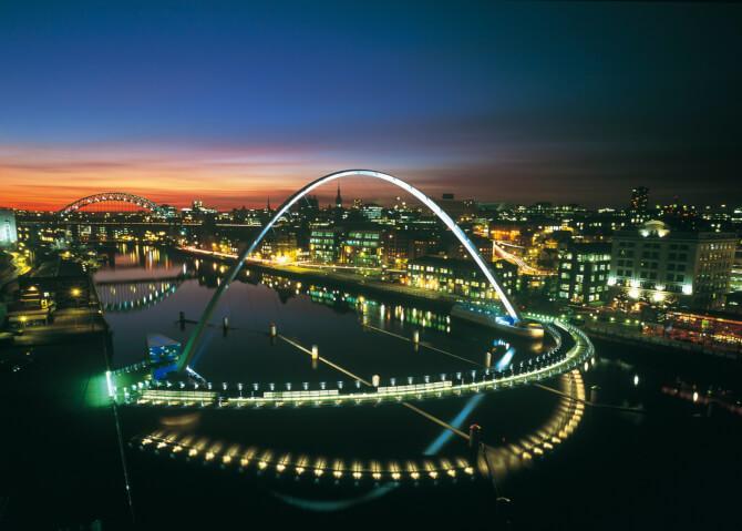 Top 20 things to do in London: The tilting bridge of the Gateshead Millennium Bridge