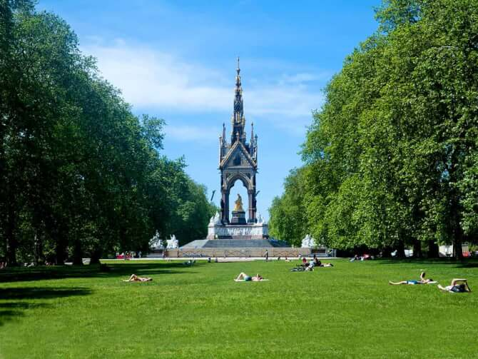 Top 20 things to do in London: Kensington Gardens with the Albert Memorial in the background