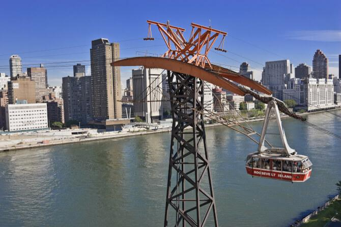 Top 20 things to do in New York: The Roosevelt Island Tramway crosses the East River