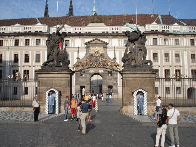 Top 20 things to do in Prague: The entrance of the main building of the Prague Castle