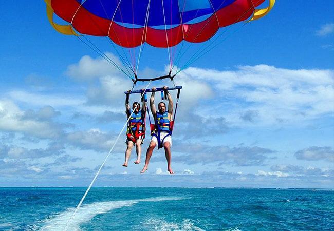 Things to do in Bora Bora:Parasailing