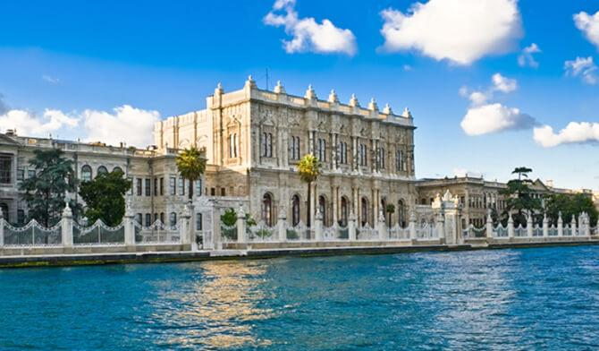 things to do in Istanbul:Dolmabahçe Palace