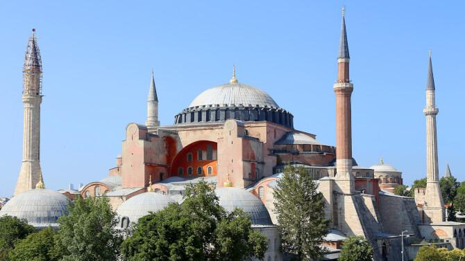 things to do in Istanbul:Hagia Sophia