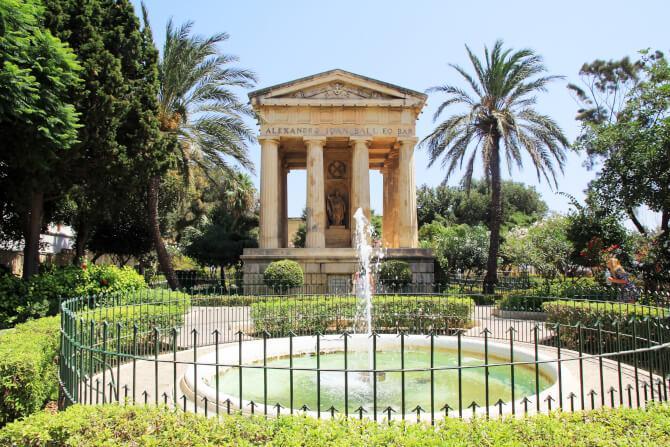 things to do in Malta:Lower Barrakka Gardens