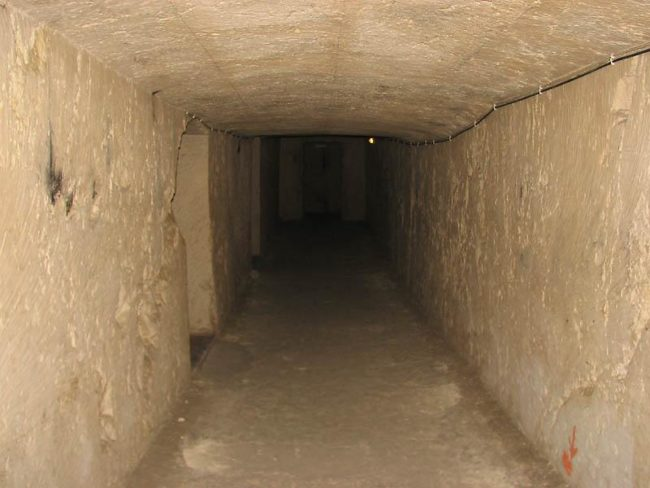 things to do in Malta:Air Raid Shelter
