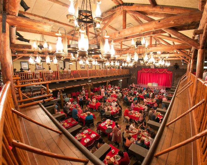things to do in orlando:The Hoop-Dee-Doo Musical