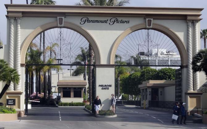 Top 20 things to do in Los Angeles: The famous gates of the Paramount Pictures Studios