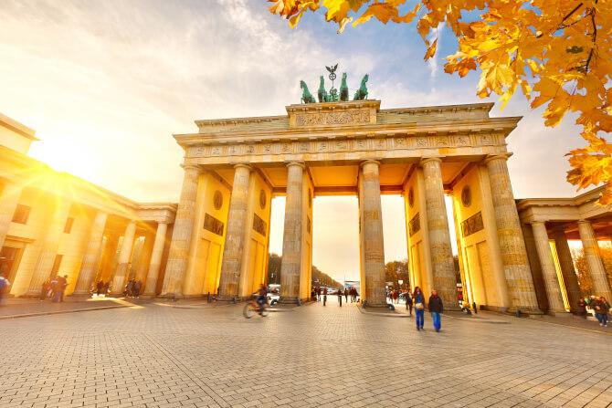 Top 20 things to do in Berlin: Brandenburg Gate at sunset