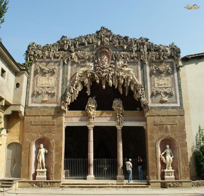 Top 20 things to do in Florence: The facade of the Grotta del Buontalenti