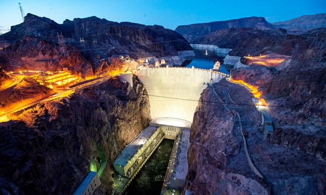 Top 20 things to do in Las Vegas: The Hoover Dam at night