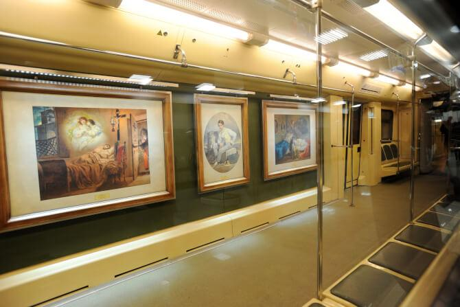 Top 20 things to do in Moscow: The inside of the Aquarelle Train