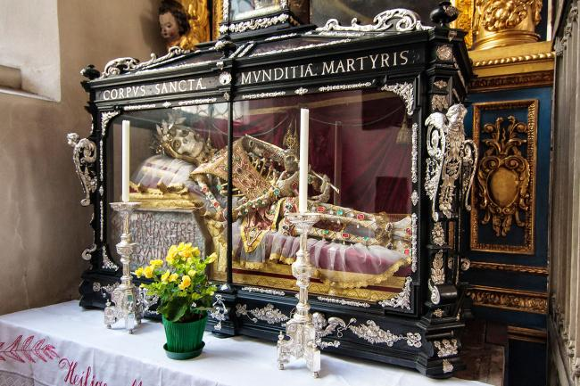 Top 20 things to do in Munich: The skeleton of St. Munditia