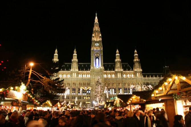 Top 20 things to do in Vienna: The christmas market at the Rathaus