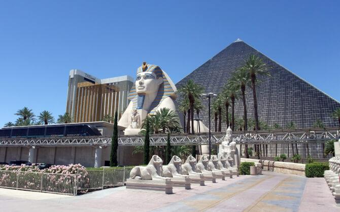 Top 20 things to do in Las Vegas: The Luxor Las Vegas hotel with the replica of the Sphinx