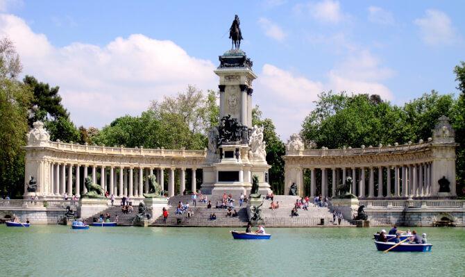 Top 20 things to do in Madrid: Buen Retiro Park
