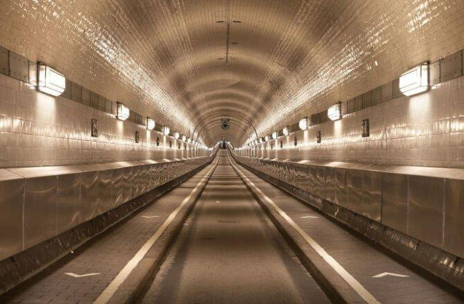 Top 20 things to do in Hamburg: Alter Elbtunnel