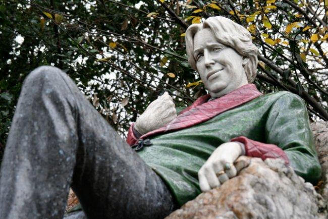 Top 20 things to do in Dublin: Statue of Oscar Wilde